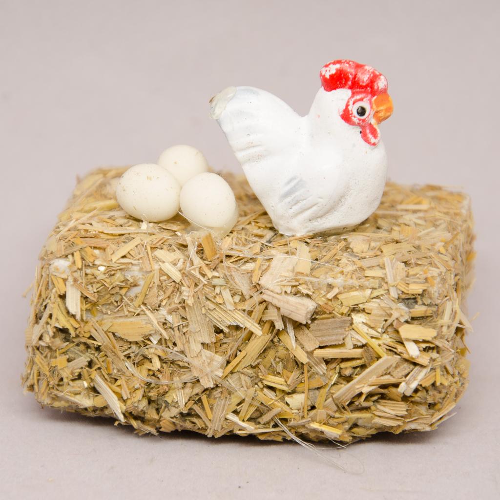Strohballen mit Huhn