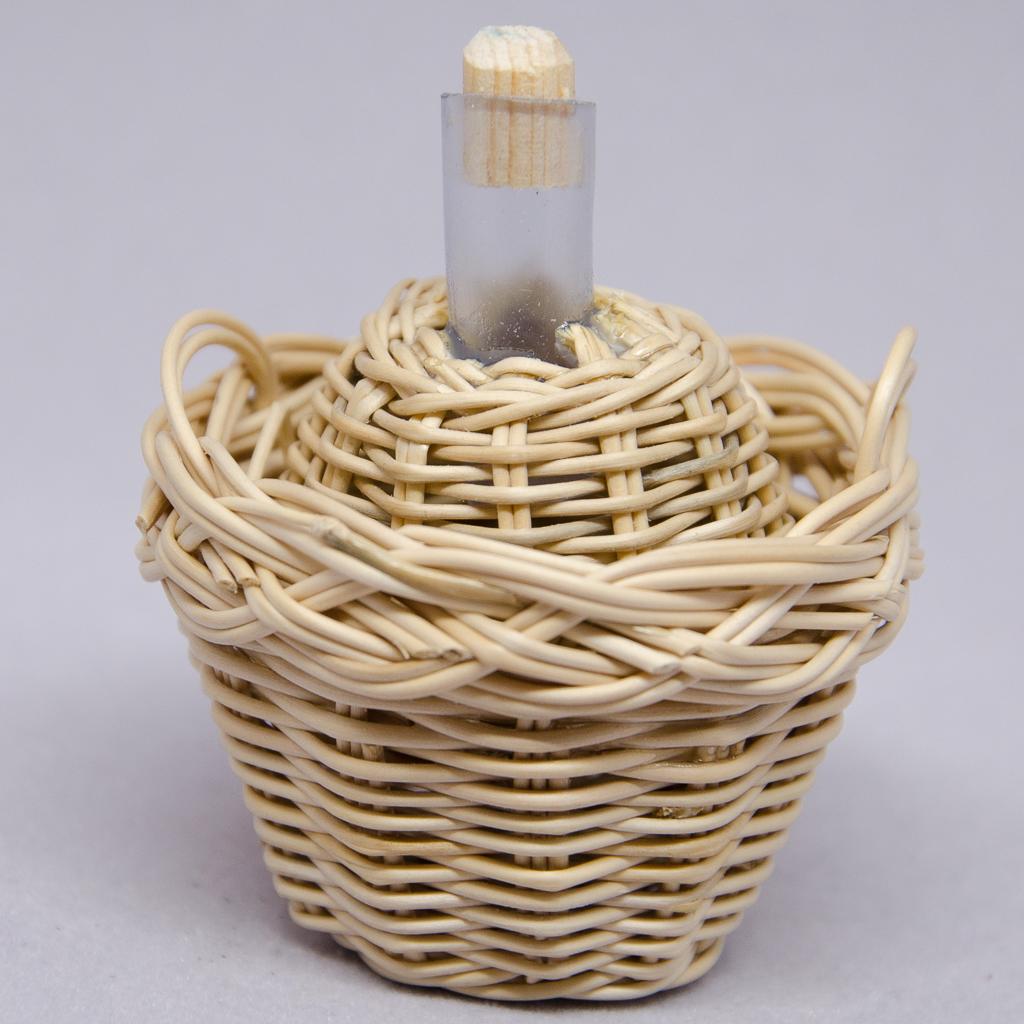 Ballonflasche in Weidenkorb