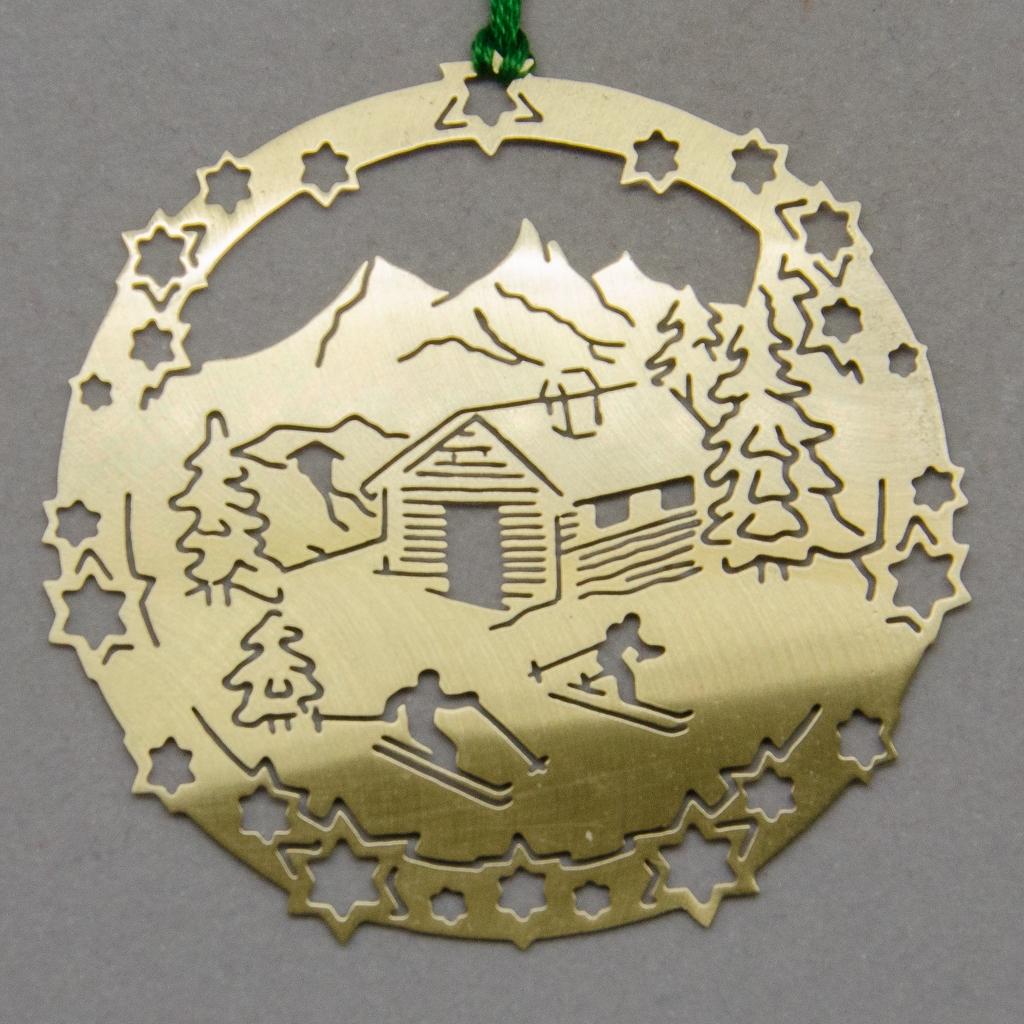 Sternenkreis mit Skihütte