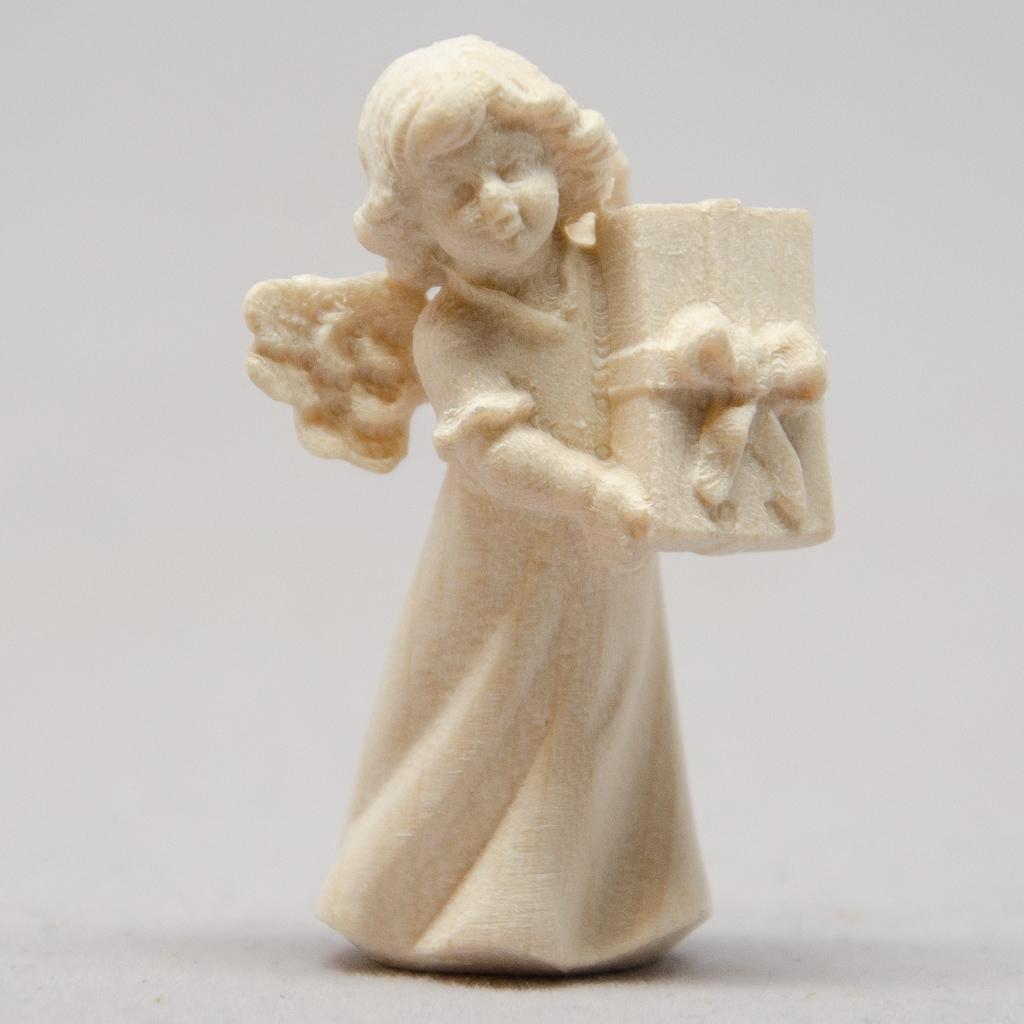 Engel mit Päckchen