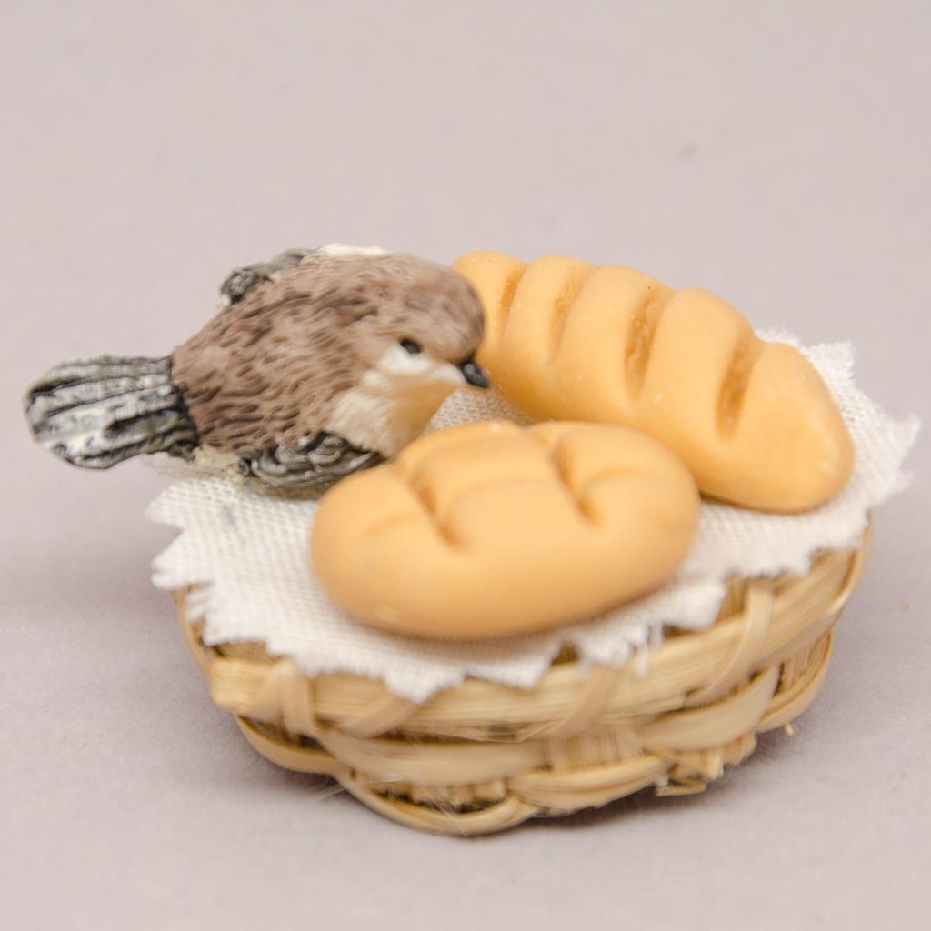 Brotkorb mit Vögelchen