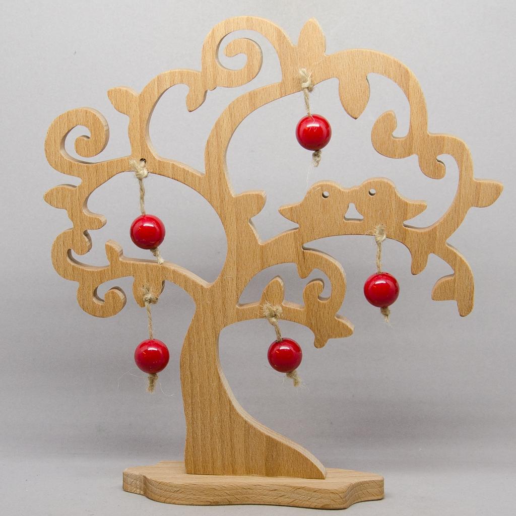 Baum mit Vögel und roten Äpfel