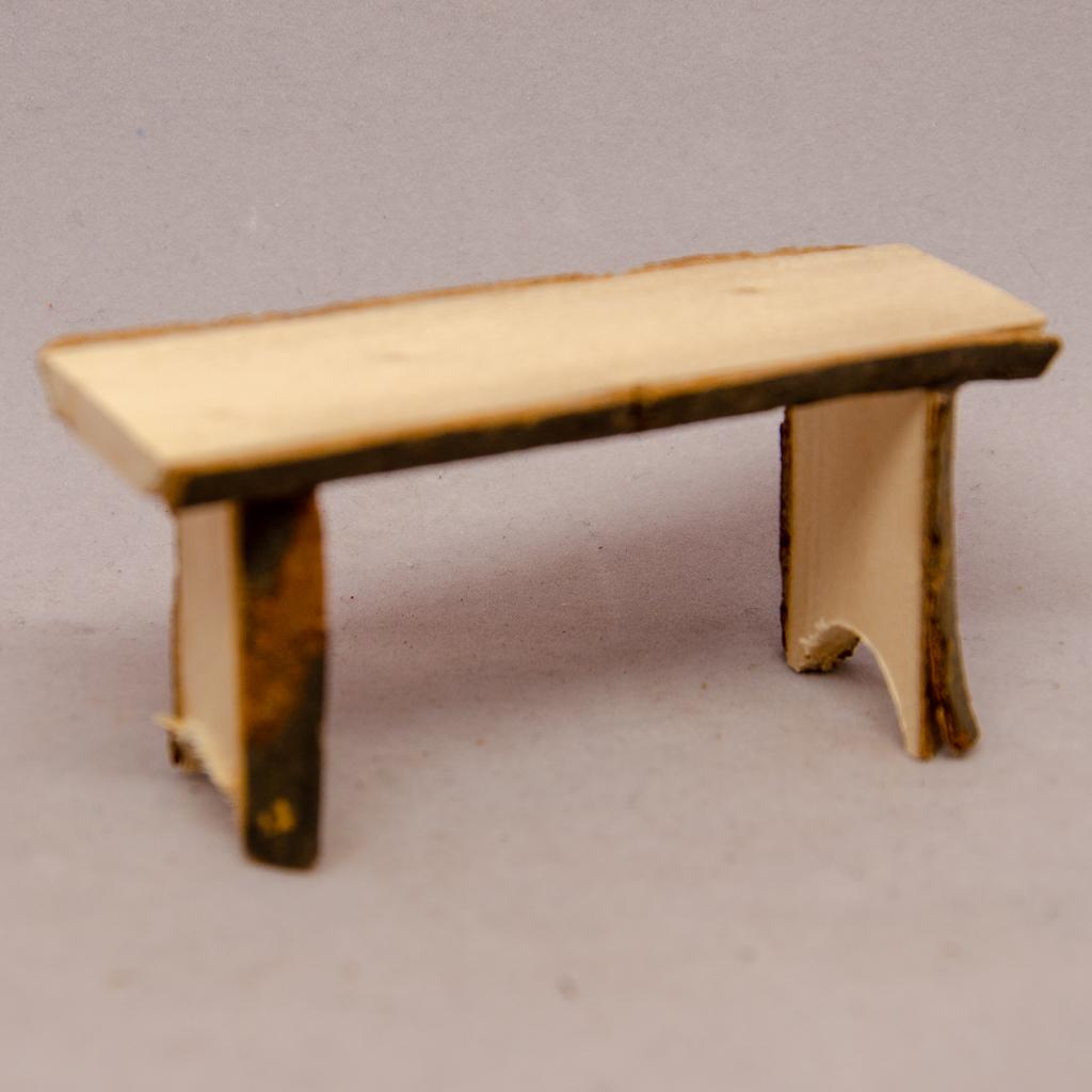 Baumstamm-Tisch