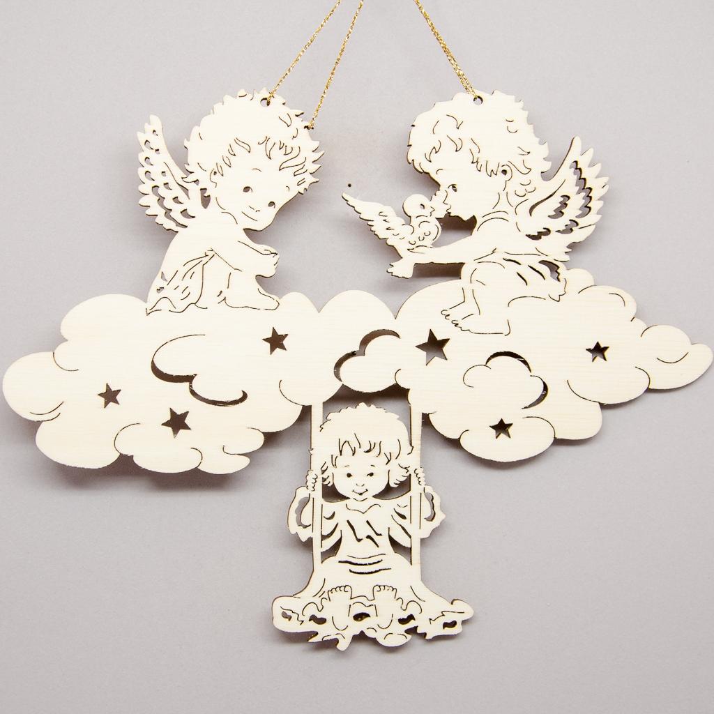 Engelchen auf Wolken